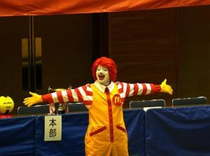 橿原体育館に ドナルドがやって来た!